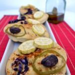 Focaccia de Calabacín, Lombarda, Pimiento y Kalamatas aromatizadas al curry rojo y sal de hibiscus