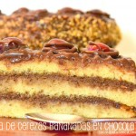 Tarta de cerezas bañadas en chocolate