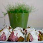 Pimientos del piquillo verdes rellenos en tartar de carne y cabrales