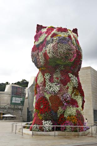 Escultura de Jeff Koons en Bilbao