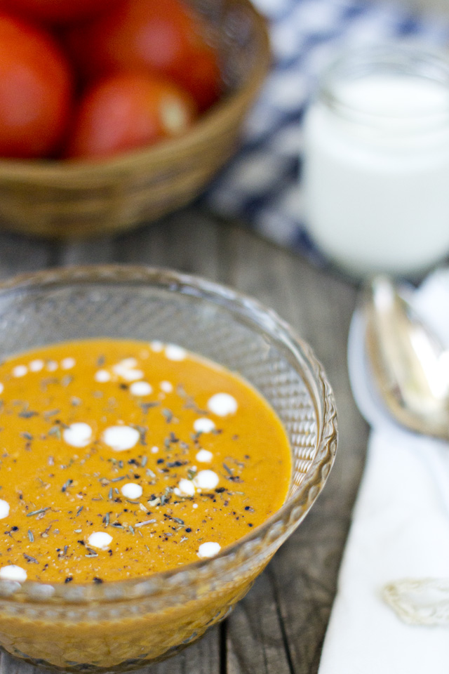 sopa griega de yogur y tomate