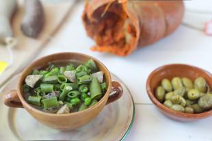 receta de escudella fresca mallorquina de habas y guisantes