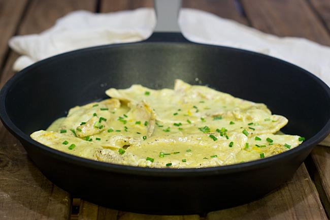 pechugas de pollo con leche de coco y curry Korma