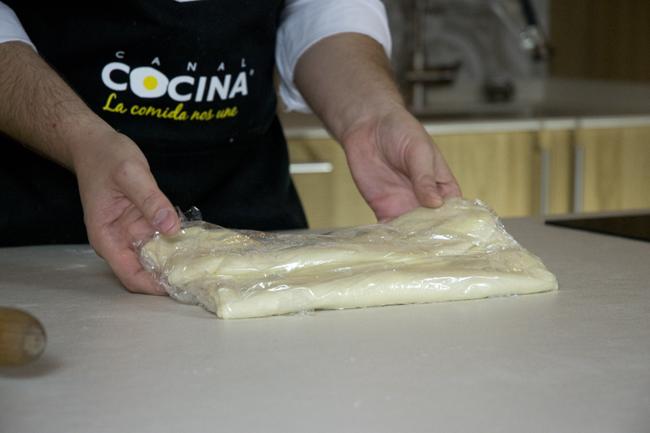 croissants masa envuelta en film