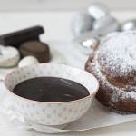 Chocolate a la taza con ensaimadas