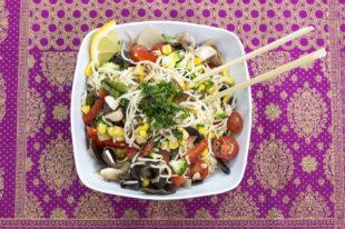 noodles con verduras en olla gm