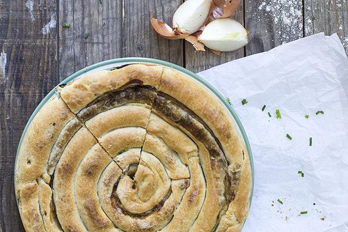 empanada griega de puerros